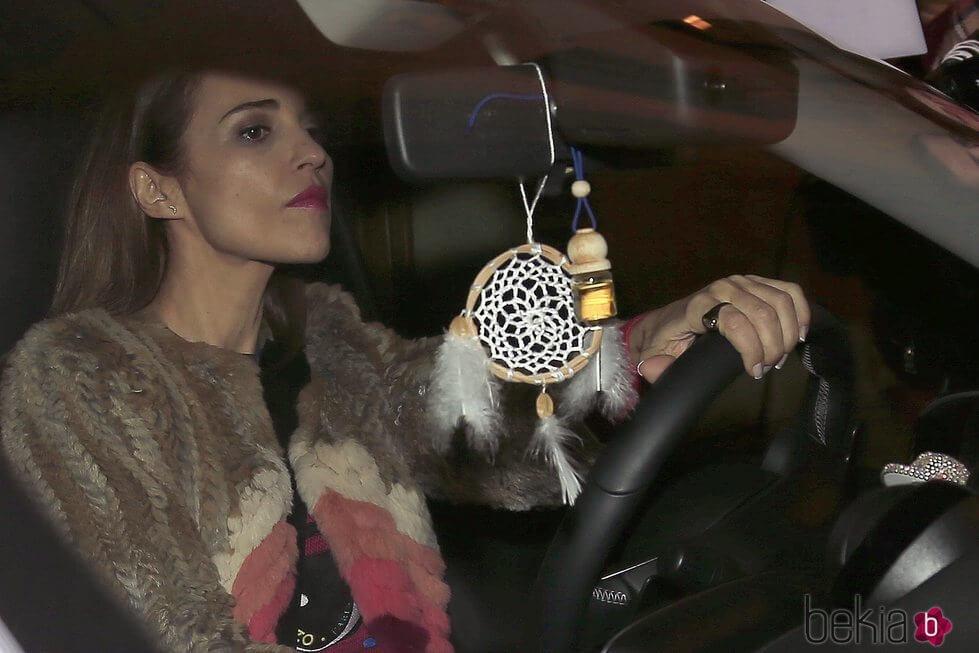 Paula Echevarría conduciendo